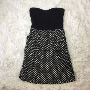 Strapless patterned dress